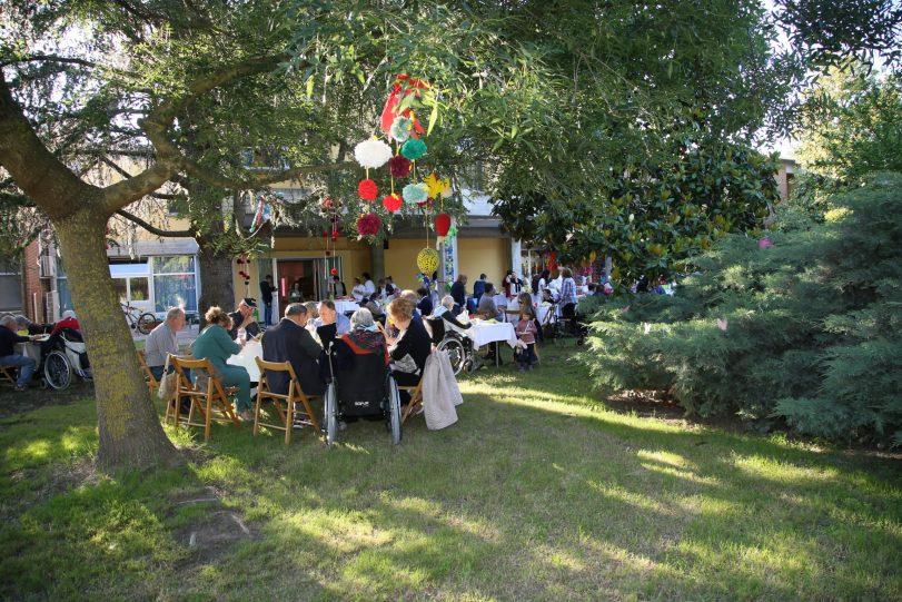 """Pranzo estivo nel cortile della Casa Protetta """"F.lli Bedeschi"""""""